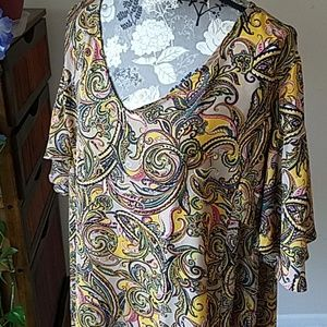 Beautiful PLUS paisley ruffle back shirt 26/28